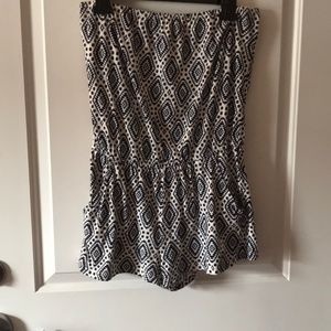 Adorable patterned strapless Forever 21 Romper